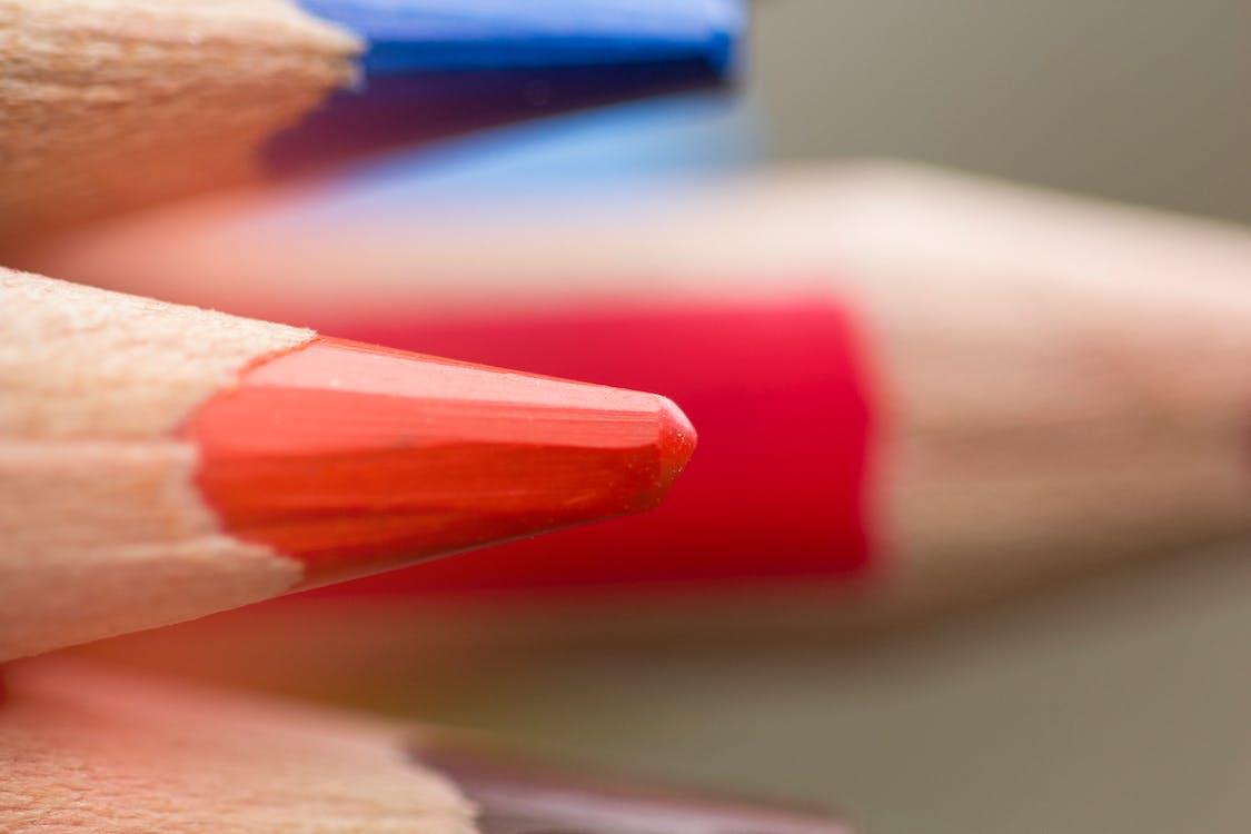 κόκκινα και μπλε, ξυλομπογιά, φωτεινά χρώματα