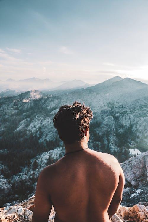 Základová fotografie zdarma na téma dobrodružství, hora, krajina, muž
