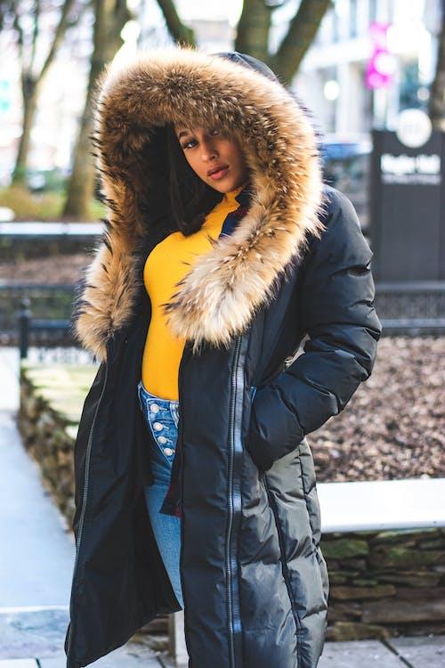 人, 冷, 外衣, 大衣 的 免费素材照片