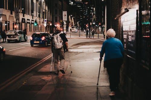 Δωρεάν στοκ φωτογραφιών με oldguys, streetphotography, άρρωστος, δρόμος