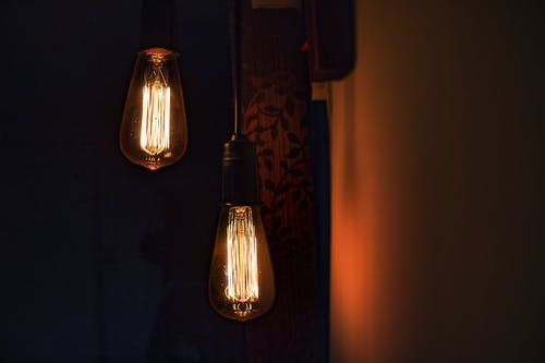 Photos gratuites de ampoules, illuminé, lampes suspendues