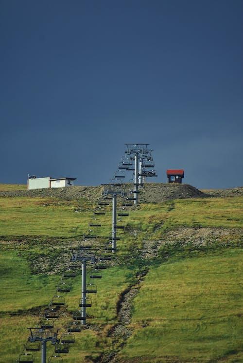 Fotobanka sbezplatnými fotkami na tému cestovať, dedinský, denné svetlo, elektrické stĺpy