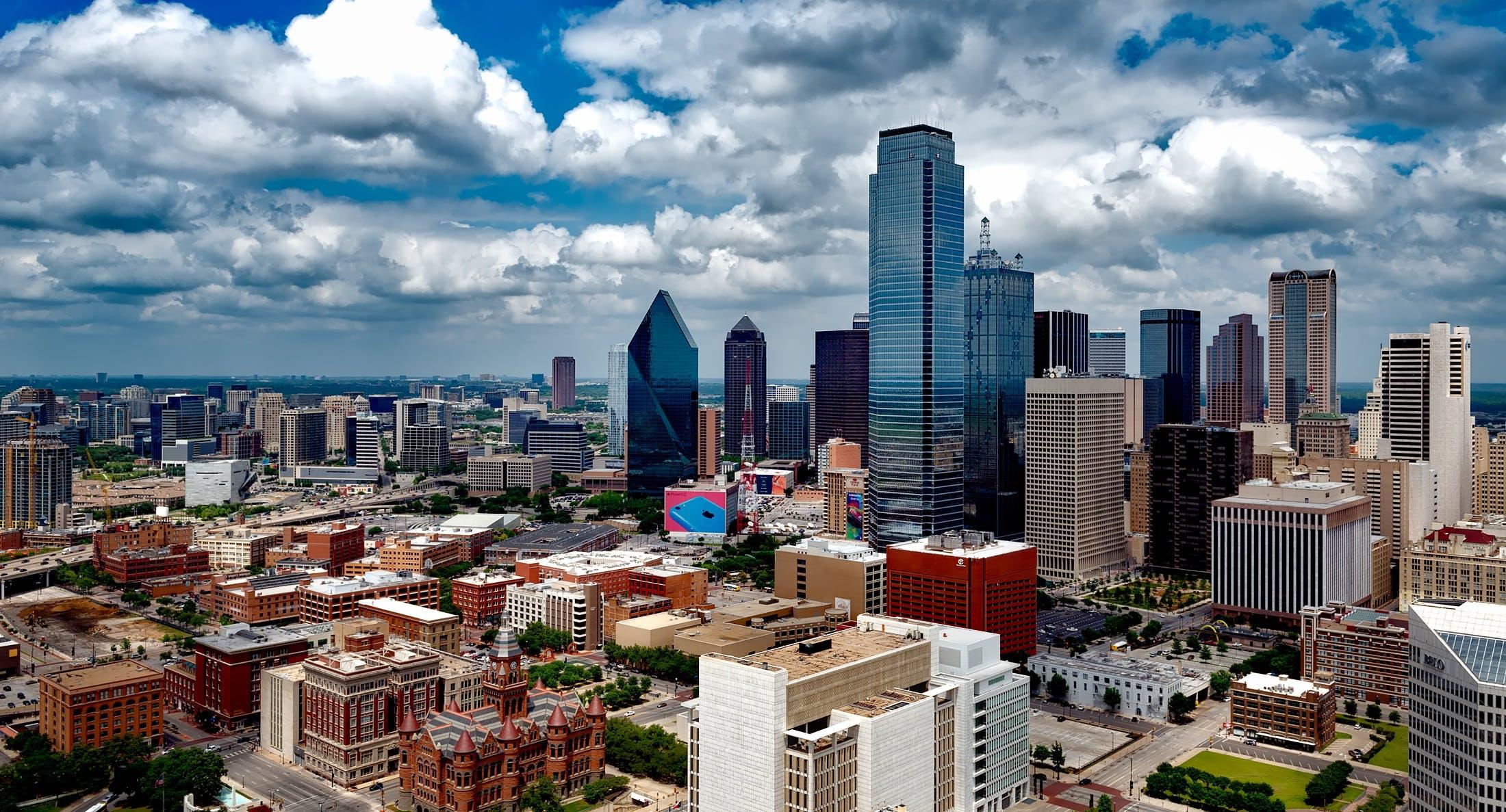 Kostenloses Stock Foto zu stadt, dämmerung, wolken, skyline