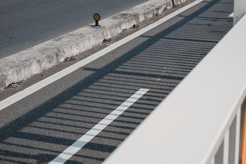 Základová fotografie zdarma na téma asfalt, čára, jízdní pruh, perspektiva