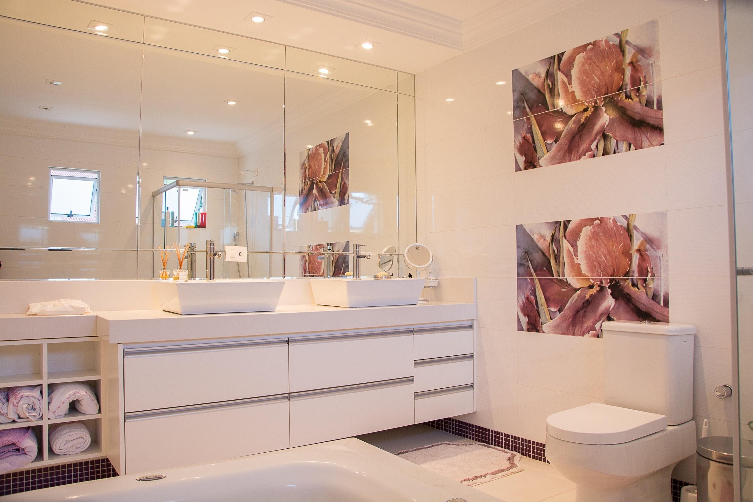 Kostenloses Foto zum Thema: architektur, badezimmer, drinnen