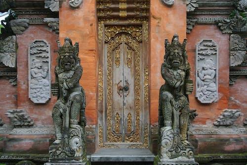 Δωρεάν στοκ φωτογραφιών με αγάλματα, αρχιτεκτονική, είσοδος, θύρα