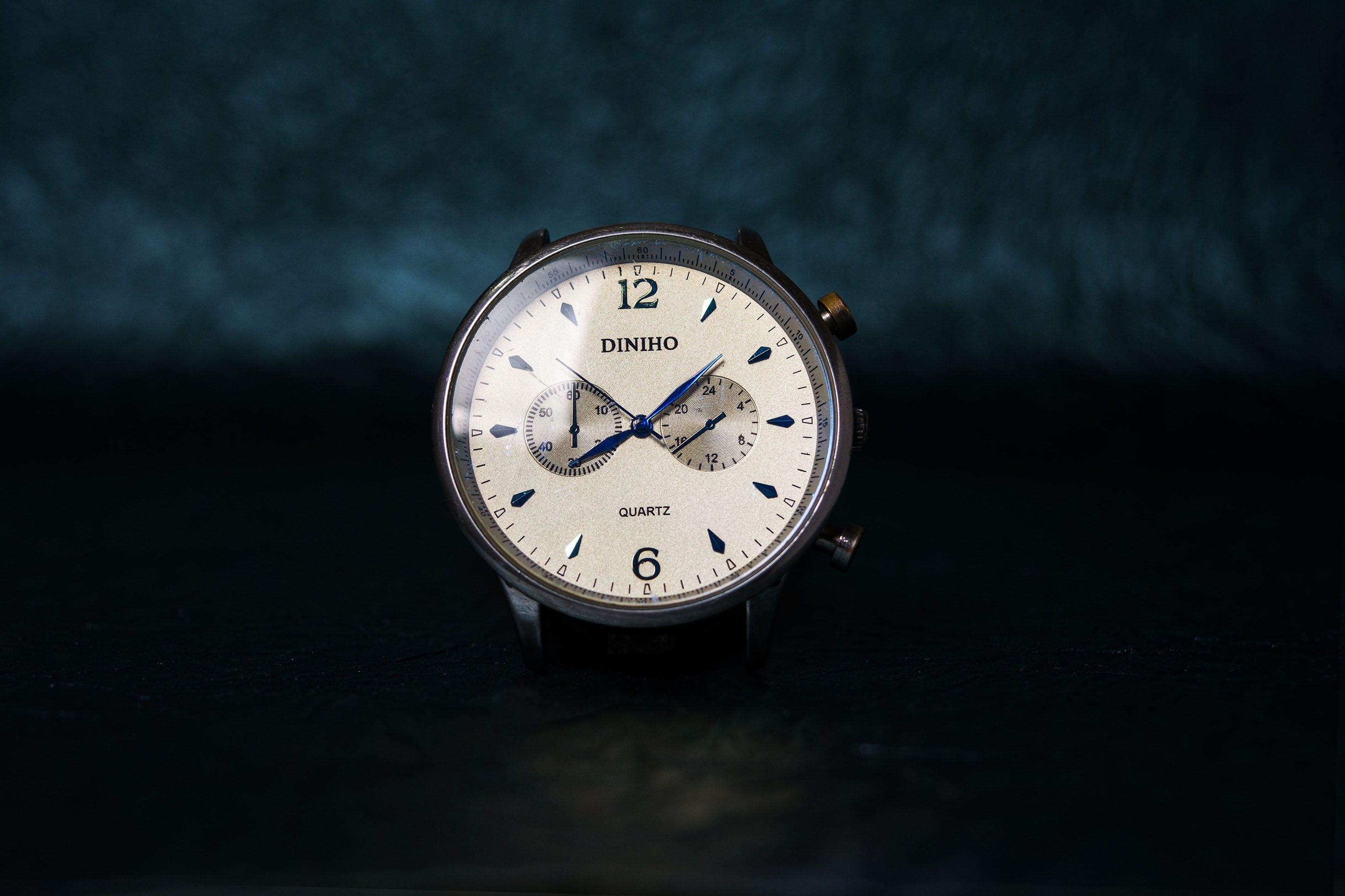 Foto d'estoc gratuïta de Analògic, diniho, rellotge, rellotge de polsera