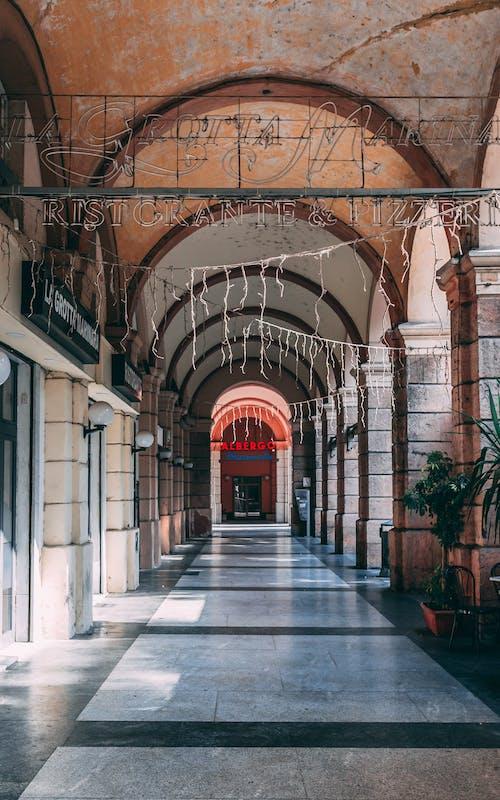Základová fotografie zdarma na téma aleji, architektura, budova, Itálie