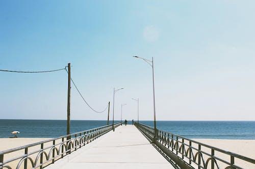 다리, 모래, 물, 바다의 무료 스톡 사진