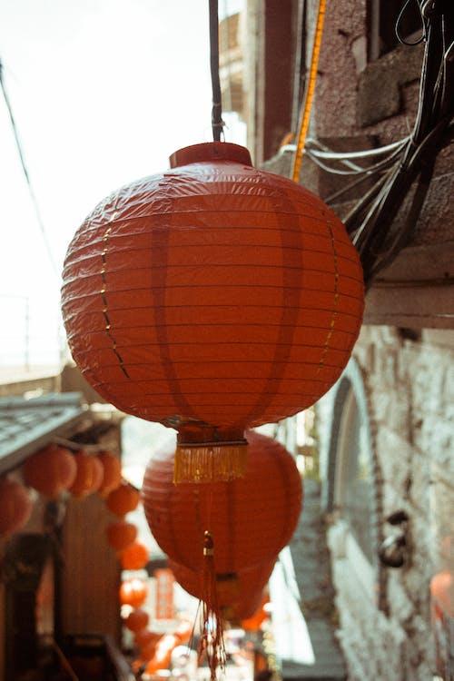 Kostenloses Stock Foto zu chinesische laternen, draußen, farben, fokus