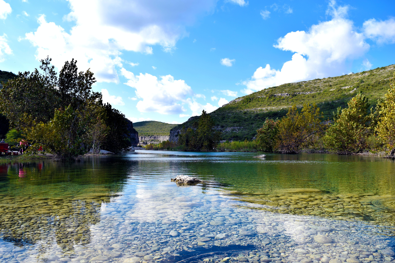 Бесплатное стоковое фото с активный отдых, вода, гора, дерево
