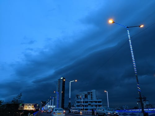 Бесплатное стоковое фото с kolkata, голубое небо, город