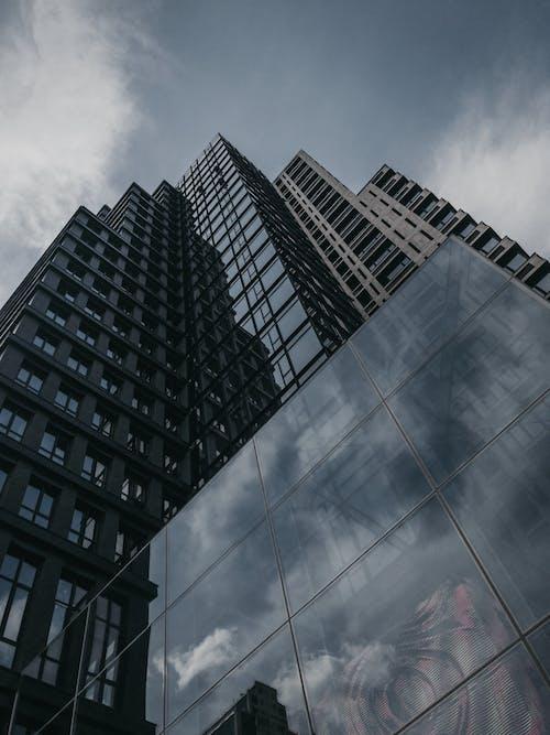 Gratis stockfoto met architectuur, buitenkant van het gebouw, flat, gebouw