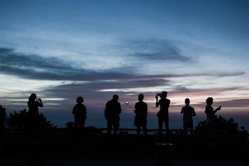 Безкоштовне стокове фото на тему «Захід сонця, люди»