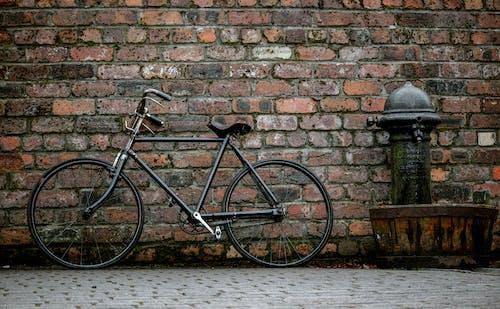 Ảnh lưu trữ miễn phí về bánh xe, gạch, máy bơm nước, Tường
