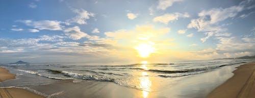 Immagine gratuita di fronte spiaggia, orizzonte dorato, tramonto bellissimo, vista panoramica