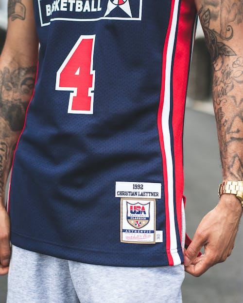 Бесплатное стоковое фото с аксессуар, баскетболист, мужчина, наручные часы