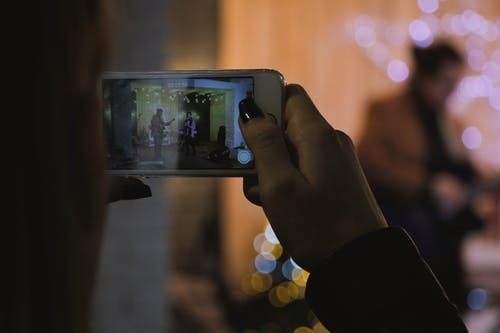Ilmainen kuvapankkikuva tunnisteilla älypuhelin, asu, elektroniikka