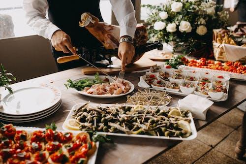 Бесплатное стоковое фото с аппетитный, блюдо, ветчина, вилка