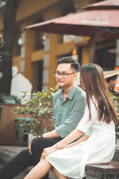 Безкоштовне стокове фото на тему «балакати, знак любові, мила пара, молода пара»