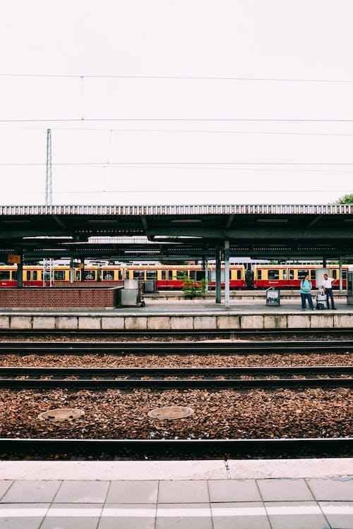 平台, 火車站, 站, 鐵路 的 免費圖庫相片