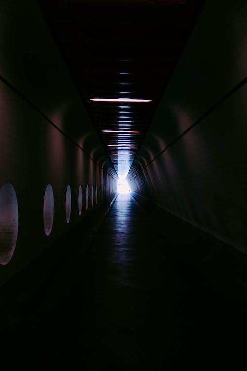 Gratis stockfoto met donker, doorgang, futuristisch