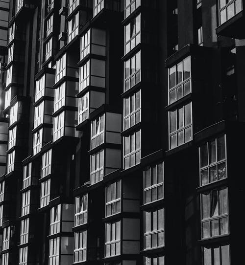 Бесплатное стоковое фото с архитектура, здание, окна, фасад