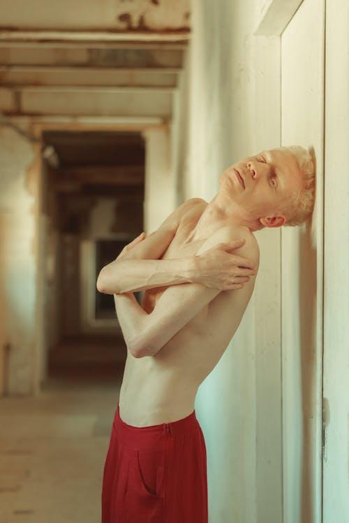 à l'intérieur, adulte, albinos