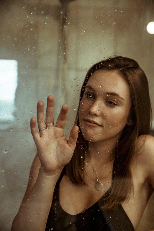 Бесплатное стоковое фото с волос, волосы, выражение лица, глаза