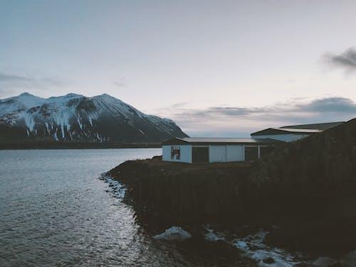 Immagine gratuita di acqua, alba, casa, cielo