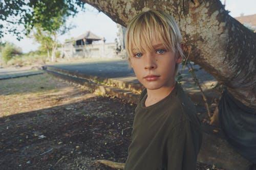 Fotobanka sbezplatnými fotkami na tému blondína, chlapec, človek, denné svetlo