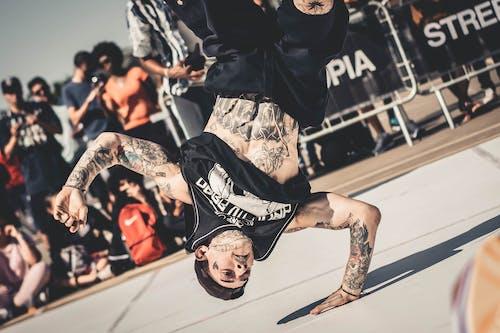 Darmowe zdjęcie z galerii z akcja, breakdance, dorosły, energia