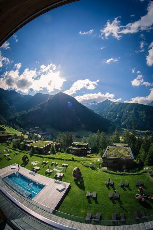 Ingyenes stockfotó Ausztria, biliárd, faház, fehér felhők témában