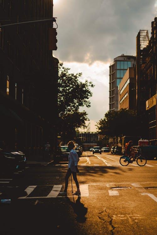 al aire libre, arquitectura, bicicleta