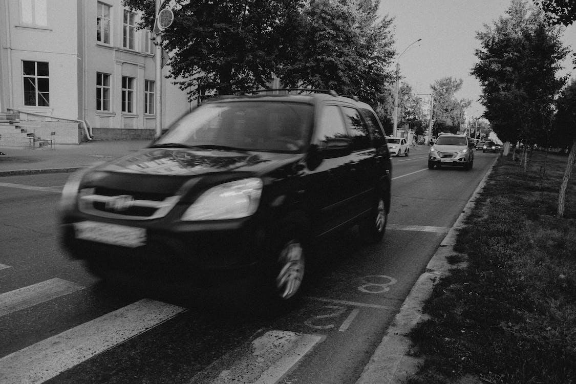 汽車, 黑與白