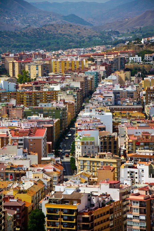 Základová fotografie zdarma na téma barevné domy, hory, malaga, městské panoráma