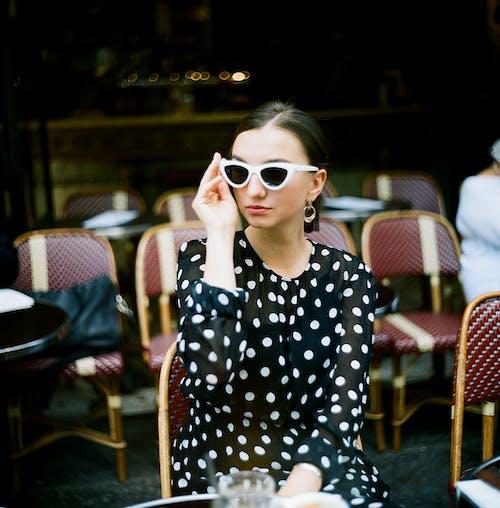 Immagine gratuita di abito, concentrarsi, donna, editoriale