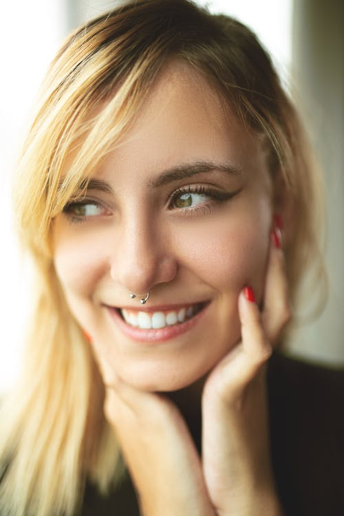 Kostnadsfri bild av ansikte, ansiktsuttryck, blond, blont hår