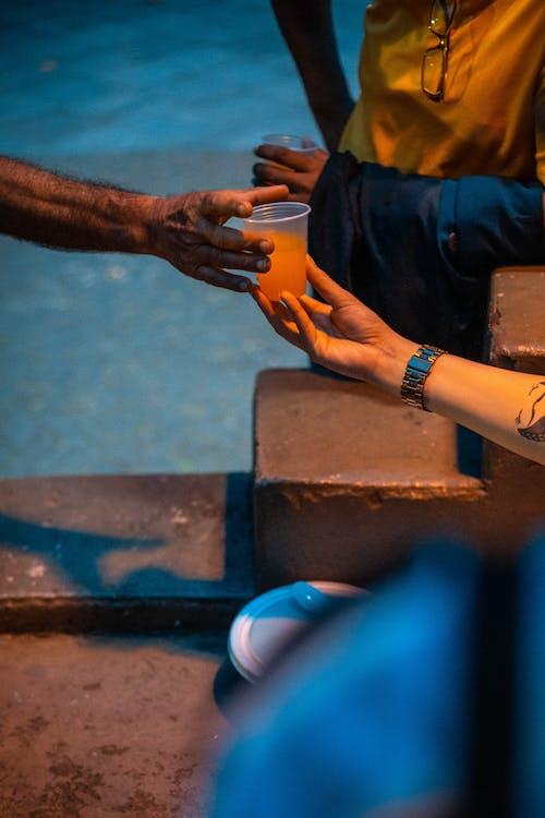 Безкоштовне стокове фото на тему «Рука, сік»