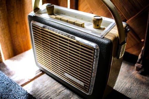 Kostenloses Stock Foto zu alte radios, antik, radio, retro