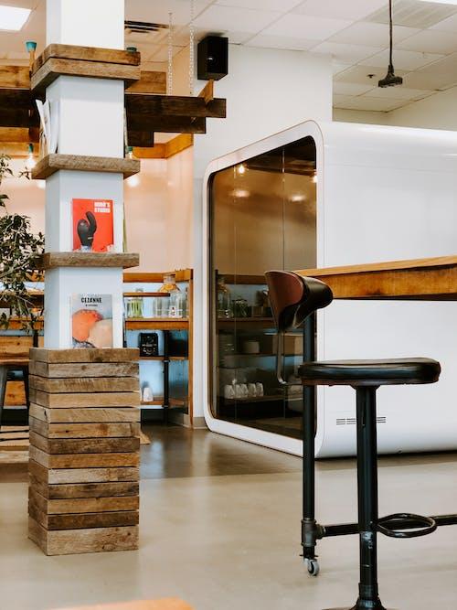 Kostnadsfri bild av bekvämlighet, bord, design, golv