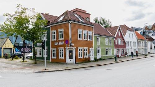 Foto d'estoc gratuïta de arquitectura, estil de carrer, multicolor