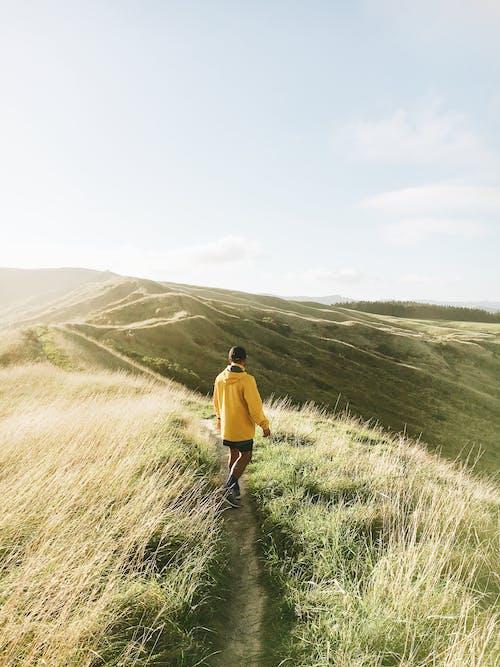 Безкоштовне стокове фото на тему «гори, Денне світло, краєвид, людина»