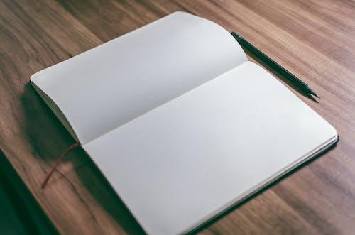 Gratis stockfoto met blanco, bloc note, boek, bureau