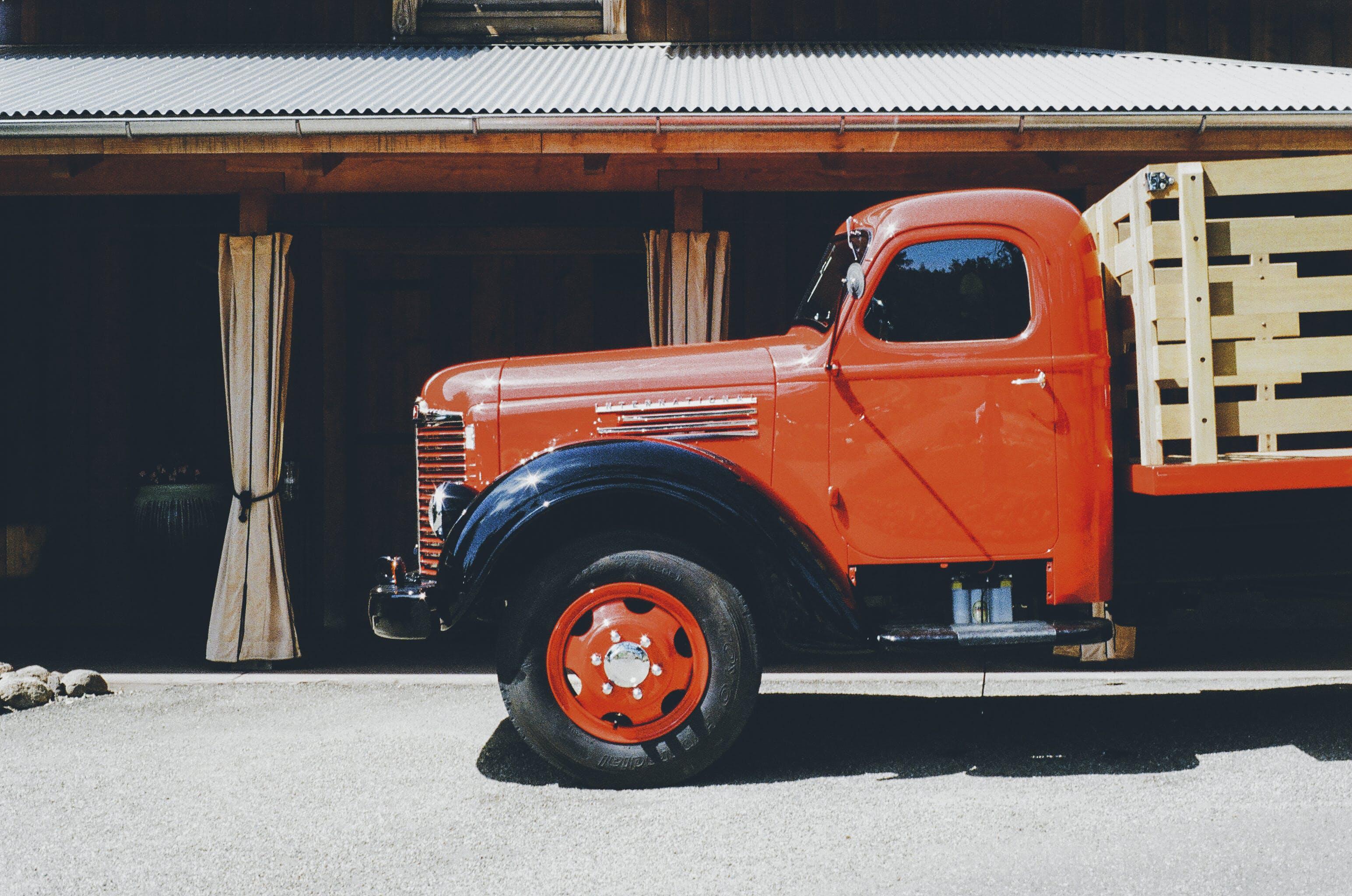 Kostenloses Stock Foto zu alt, fahrzeug, laster, vintage