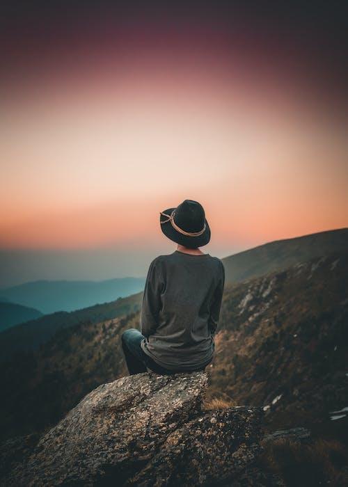 Безкоштовне стокове фото на тему «великий план, гори, Захід сонця, зелений»