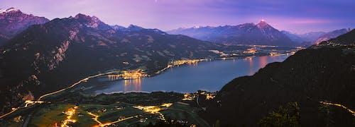 Безкоштовне стокове фото на тему «вечір, відображення, вода, гори»
