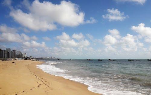 Δωρεάν στοκ φωτογραφιών με διακοπές, ήλιος, παραλία, παραλία σε θάλασσα