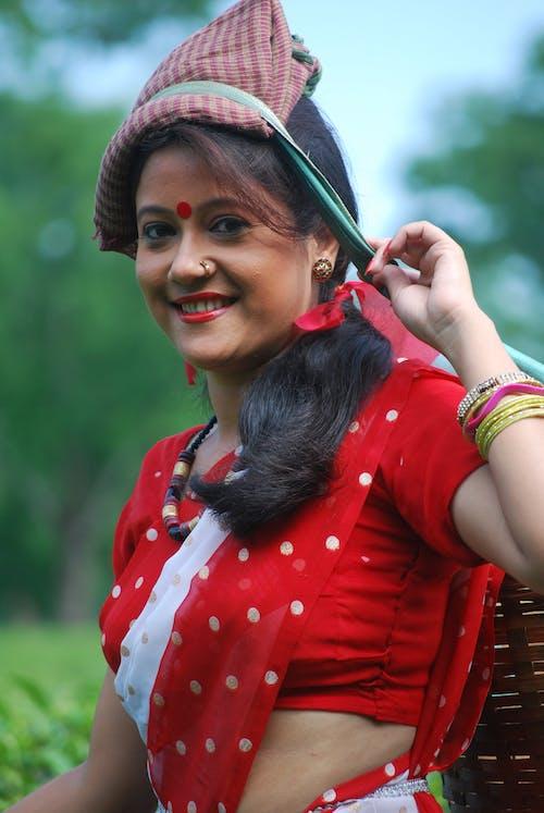 Безкоштовне стокове фото на тему «assam, індійська дівчина, азіатська жінка, темношкірі моделі»