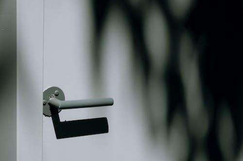 Kostnadsfri bild av dagsljus, dörr, dörrhandtag, dörrhantag